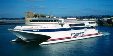 Condor ferries blocked between Jersey and Guernsey amid fishing row
